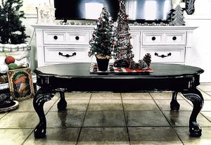 Refinished distressed solid wood coffee table for Sale in Silsbee, TX
