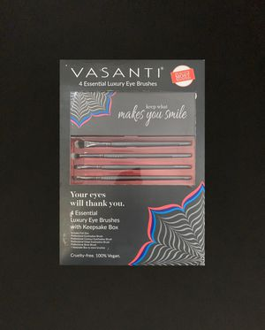Vasanti 4 Essential Luxury Eye Brushes for Sale in Missouri City, TX