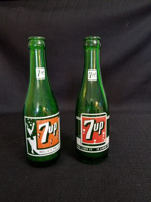 1950s 7UP bottles for Sale in Rolla, MO