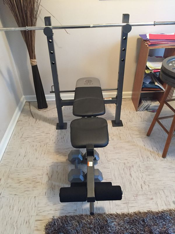 Golds Gym Flat Bench With Bar!!