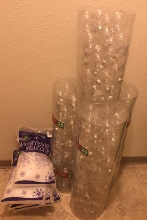 Fillable craft ornaments with snow filler for Sale in Everett, WA