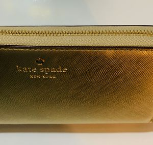 New Gold Clutch Wallet for Sale in Moreno Valley, CA