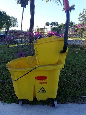 Mop Bucket for Sale in Sunrise, FL