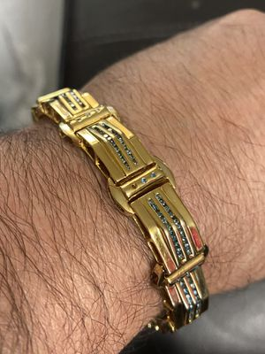 14k solid Gold Daimond Bracelet, 9 inches long for Sale in Prospect, CT