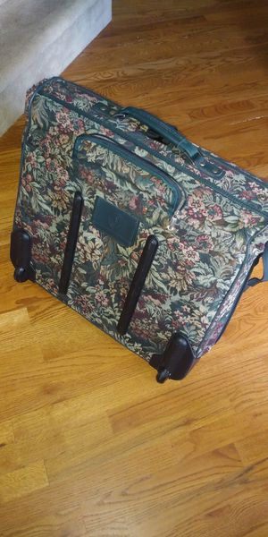 Atlantic tapestry luggage, large garment bag for Sale in Cooksville, MD