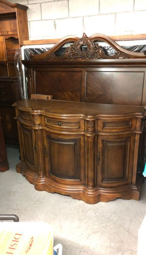 Wood console, buffet table for Sale in Miami, FL