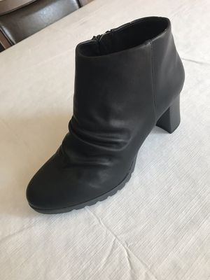 Women's ankle -high boots, black, size 9MW for Sale in Chicago, IL