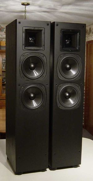 Pair of Klipsch sf3 used in good condition for Sale in Wayne, MI