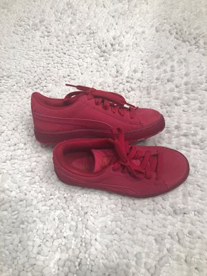 Puma Suede Sneakers for Sale in Fort Belvoir, VA