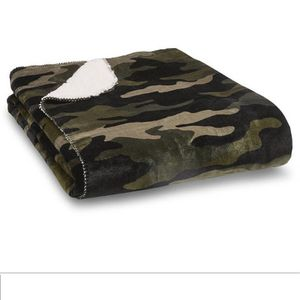 Victoria's Secret Camo Sherpa Blanket for Sale in Reno, NV