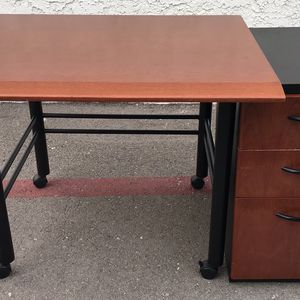 Office Desk And File Cabinet for Sale in San Diego, CA