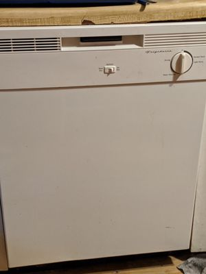 Frigidaire dishwasher for Sale in Portsmouth, VA
