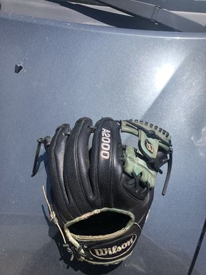 baseball glove for Sale in Glendora, CA