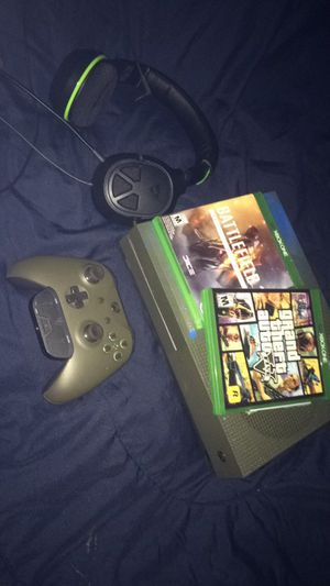 1Tb Xbox One S w/Headphones and games for Sale in Glenolden, PA