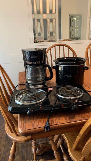 Crock pot, tabletop burner, and coffee maker for Sale in Magnolia, TX