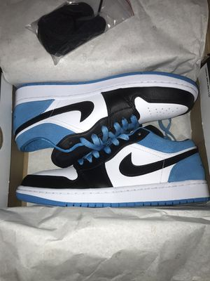 Jordan 1 LOW SE black-lazer blue-white size 8.5 for Sale in Bethlehem, PA