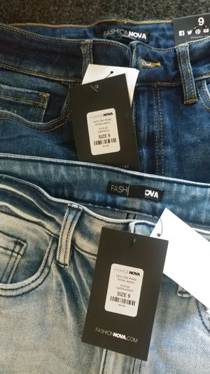 Teen jeans size 9 for Sale in East Los Angeles, CA