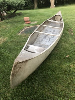 Metal Canoe- Grumman 17' VGC $375OBO for Sale in Cary, IL