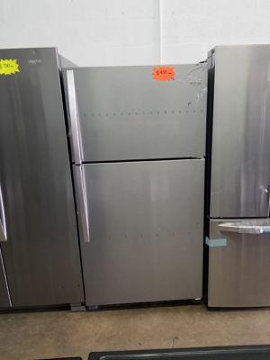 """Whirlpool refrigerator 33"""" NEW WARRANTY for Sale in Hialeah, FL"""