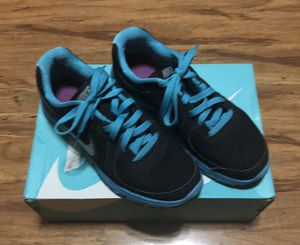 Ladies NIKE shoes - Size 9 1/2 for Sale in La Porte, TX