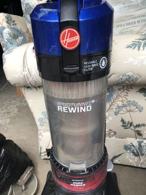 Hoover vacuum for Sale in Highland Heights, OH