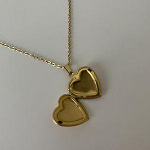 Honeylock Gold Vintage Heart Locket Necklace for Sale in Las Vegas, NV