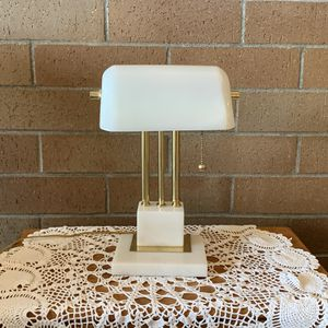 Table lamp with rotating head for Sale in Graham, WA