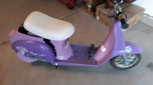 KIDS SCOOTER / PARTS OR FIXER UPPER for Sale in Surprise, AZ