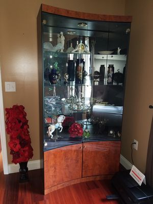 4 Shelf Glass Door Curio Cabinet BEST OFFER for Sale in Pittsburgh, PA