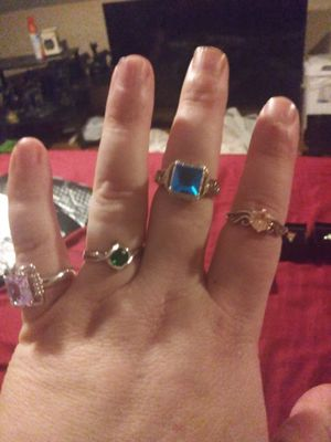 Size 7 rings and necklace for Sale in Saginaw, MI