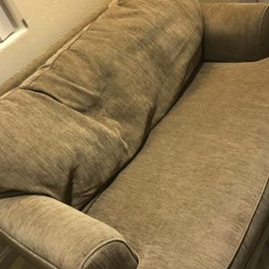 Free Couches for Sale in Long Beach, CA