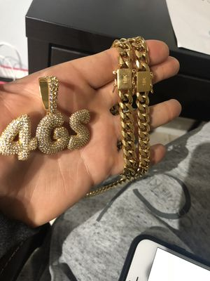 18k gold bonded Miami Cubans chain and bracelet set !!! We do custom work& letters for Sale in Miami, FL