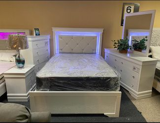 Brand New 5pcs Full Size Bedroom Set for Sale in Philadelphia,  PA