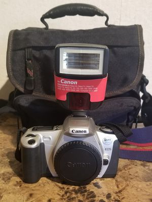 Canon Rebel 2000 EOS 35mm Film Camera Body, EOS Strap, and lens cover, flash , and bag! for Sale in Florissant, MO