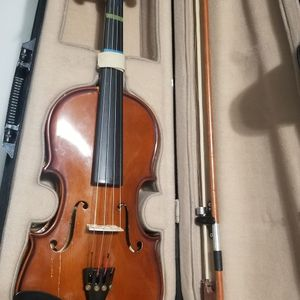 Violin With Case & Chin Holders Bow Needs Strings for Sale in Miami, FL