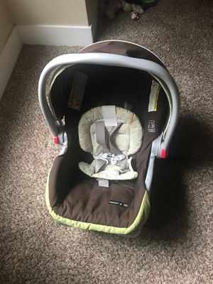 SNUGRIDE30 car seat for baby for Sale in Sacramento, CA