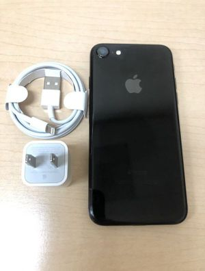 "iPhone 8 64GB FACTORY UNLOCKED"" Like new with warranty for Sale in Silver Spring, MD"