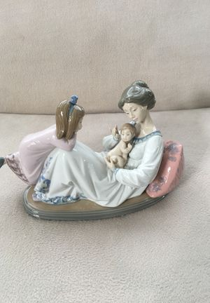 "Lladro ""Latest Addition"" Figurine for Sale in Aurora, IL"