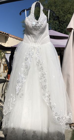 Beautiful white gown for Sale in La Quinta, CA