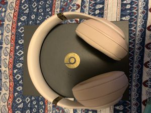 Beats Studio 3 Desert Sand Like New for Sale in Lawrence, MA