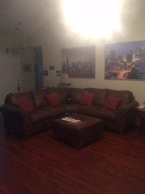 Brown Leather U Shaped Sectional in excellent condition for Sale in McDonough, GA