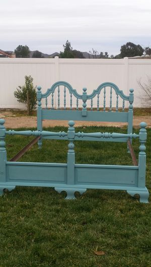 Full size antique bed frame for Sale in Wildomar, CA