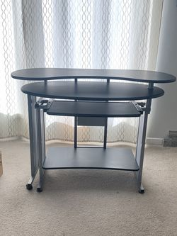 Computer/Gaming Desk for Sale in Tigard,  OR