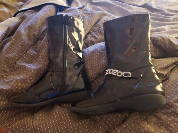 Girls sz 4 black patent leather boots