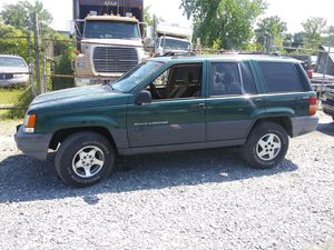 1996 Jeep Grand Cherokee 119k miles runs and drives!!!! for Sale in Temple Hills, MD
