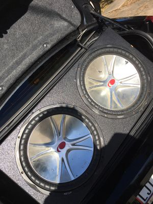 2 CVR KICKERS PRO BOX WITH VA AUDIO AMP for Sale in Atascocita, TX