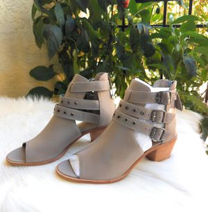 Diego Di Lucca tan booties size 9 with buckle and peep toe for Sale in Tampa, FL