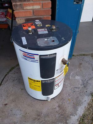 30 gallon lowboy Water heater for Sale in Chandler, AZ