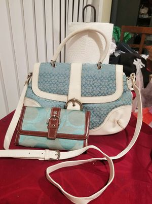 Coach hand crossbody purse and wallet bundle for Sale in Lincoln Acres, CA