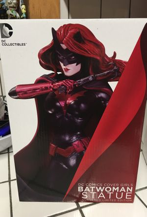DC cover girls Batwoman statue for Sale in Winston-Salem, NC